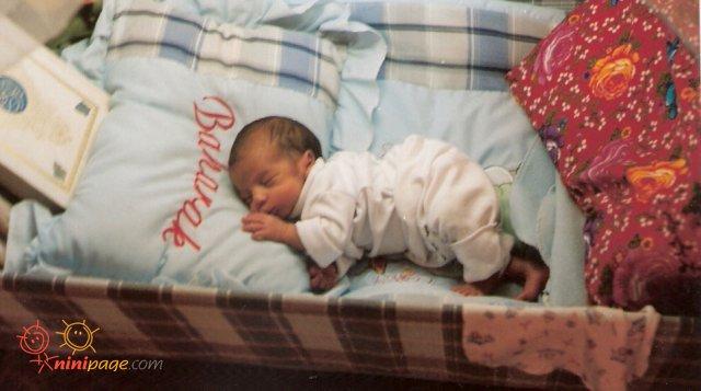 تازه بدنیااومده بود7ماهه به دنیا اومده بوداندازه بالش کوچولوبود