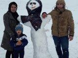 عکس خانوادگی با آدم برفی