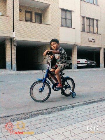 متین دوچرخه سواری