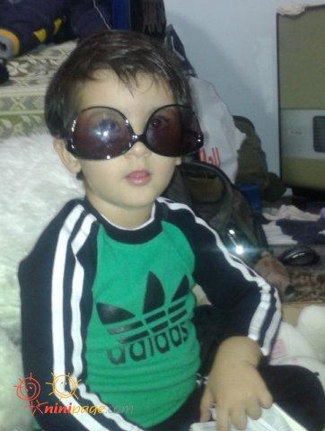 پسرم عینک دوست داره