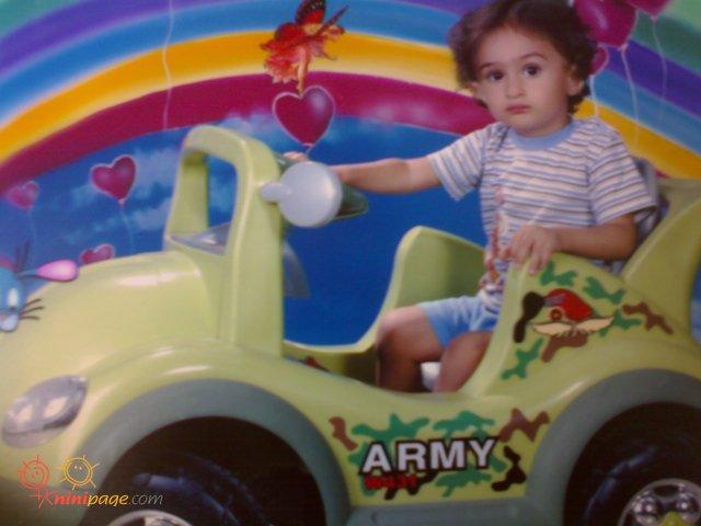 سامیار با ماشین