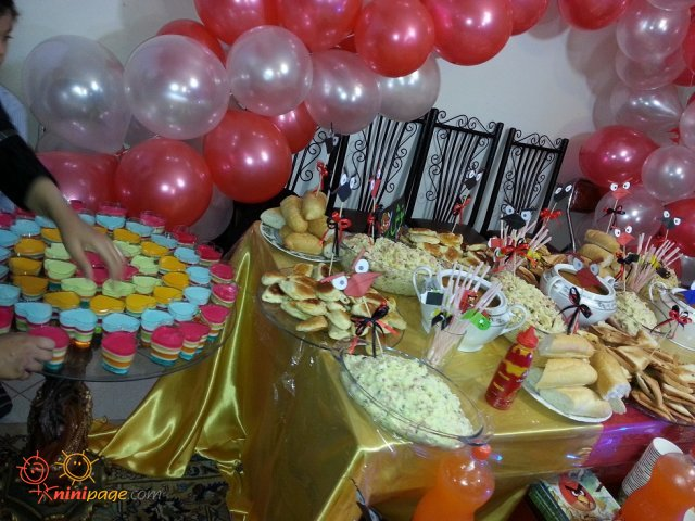 میز شام تولد شهریار